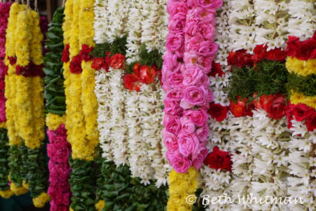 Sacred Poo Maalai / Wedding & Temple Garlands of Tamil Nadu, India – The  Cultural Heritage of India